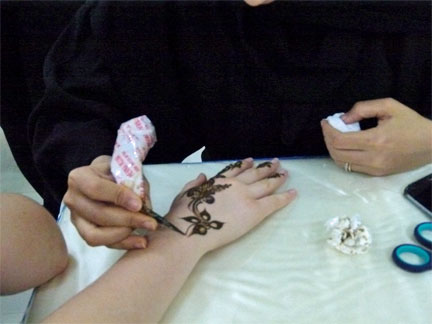 Tattoos And Henna Designs In The Arab World Arabic Online